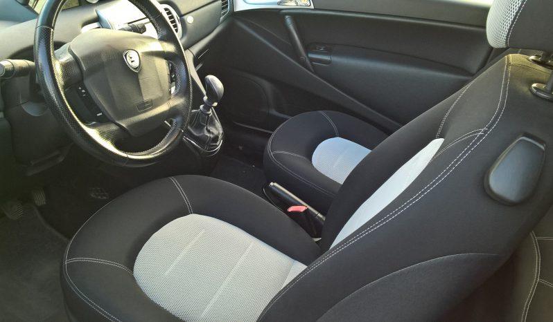 Lancia Ypsilon 1.2 8V Momo Design completo